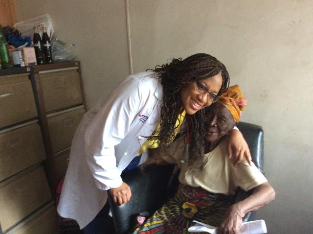 Olachi Ipad pics medical mission 4 129